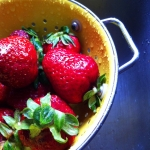 strawberries_in_colander