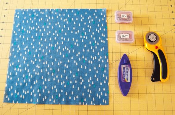 How to Sew Easy Baby Bibs on ReallyHandmade.com